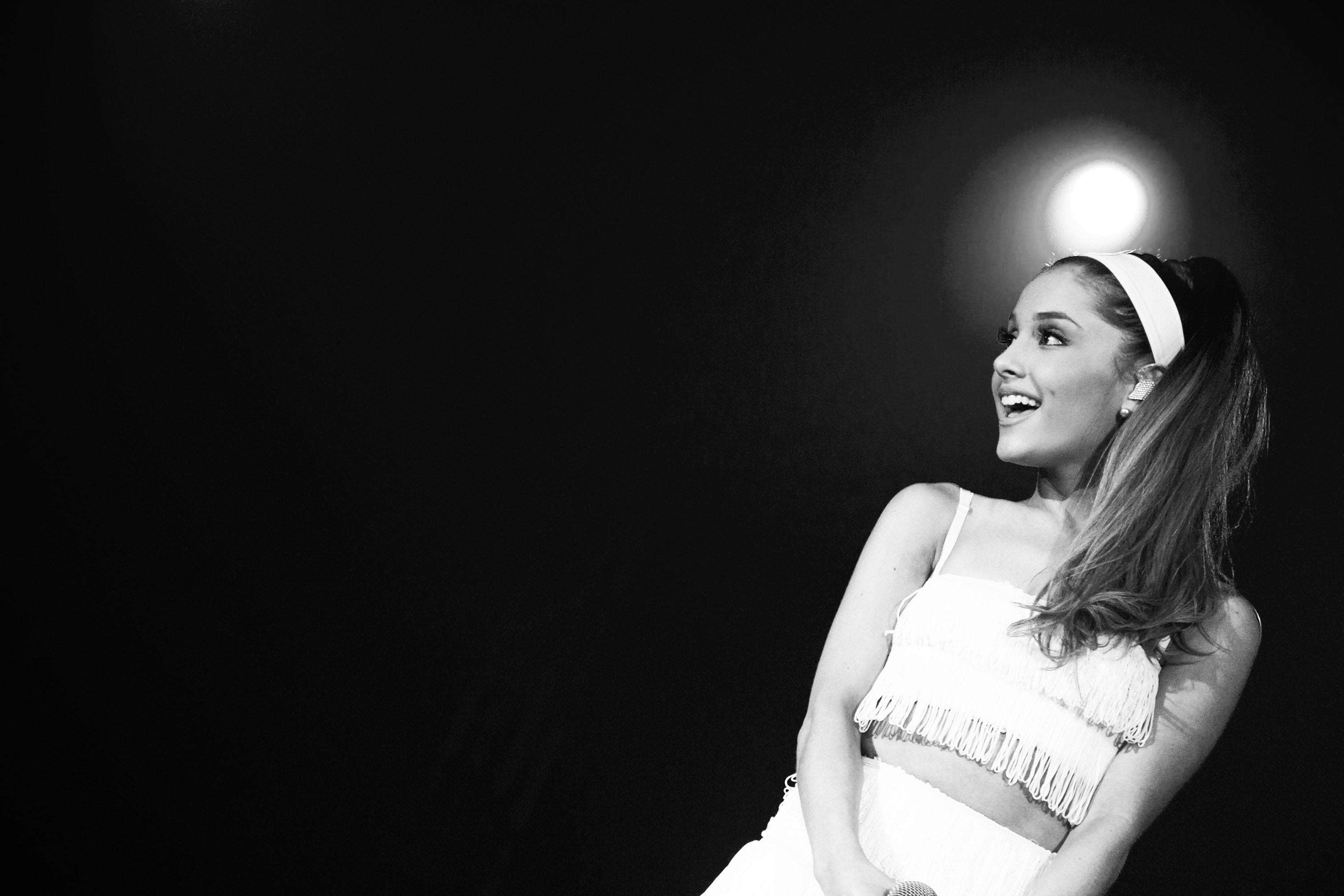 ariana grande wallpaper celebrity background 64557