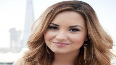 Demi Lovato Face Photos Wallpaper 64540