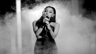 Monochrome Ariana Grande Performing Wallpaper 64556