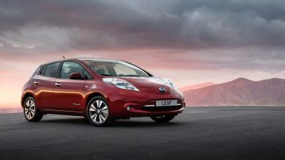 Nissan Leaf Car Background Wallpaper 65977