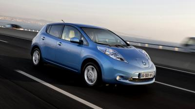 Nissan Leaf Rolling Shot Wallpaper 65975