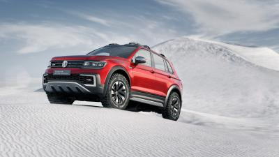 Red Volkswagen Tiguan Background Wallpaper 65853