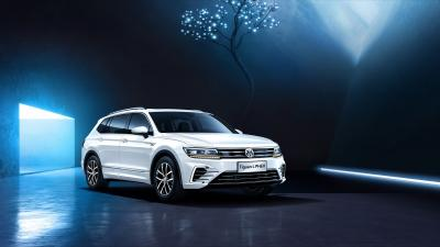 White Volkswagen Tiguan SUV Wallpaper 65873