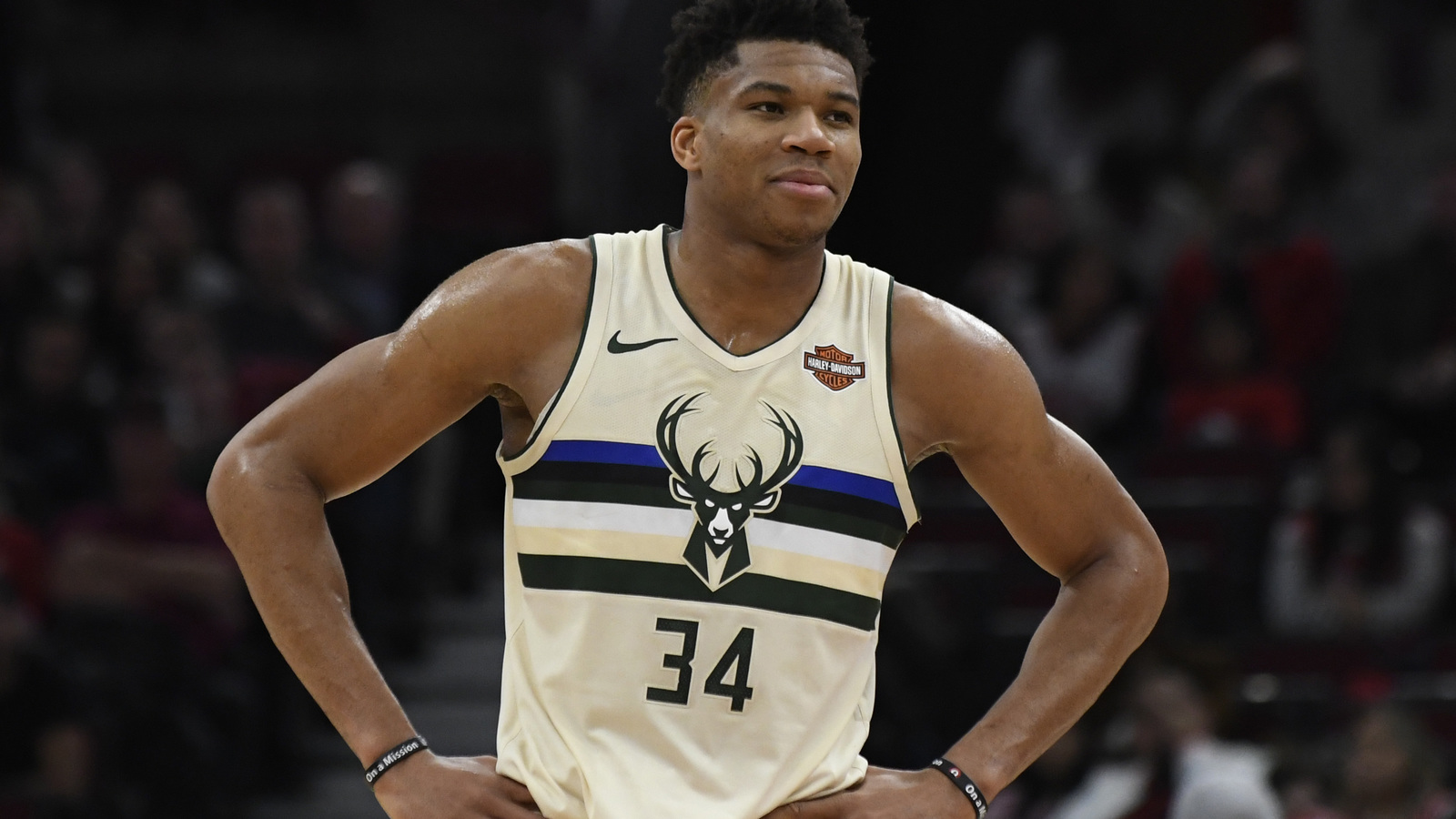 giannis antetokounmpo athlete wallpaper 63773