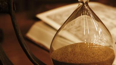 Hourglass Up Close HD Wallpaper 65045