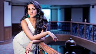 Sonakshi Sinha Desktop HD Wallpaper 66174