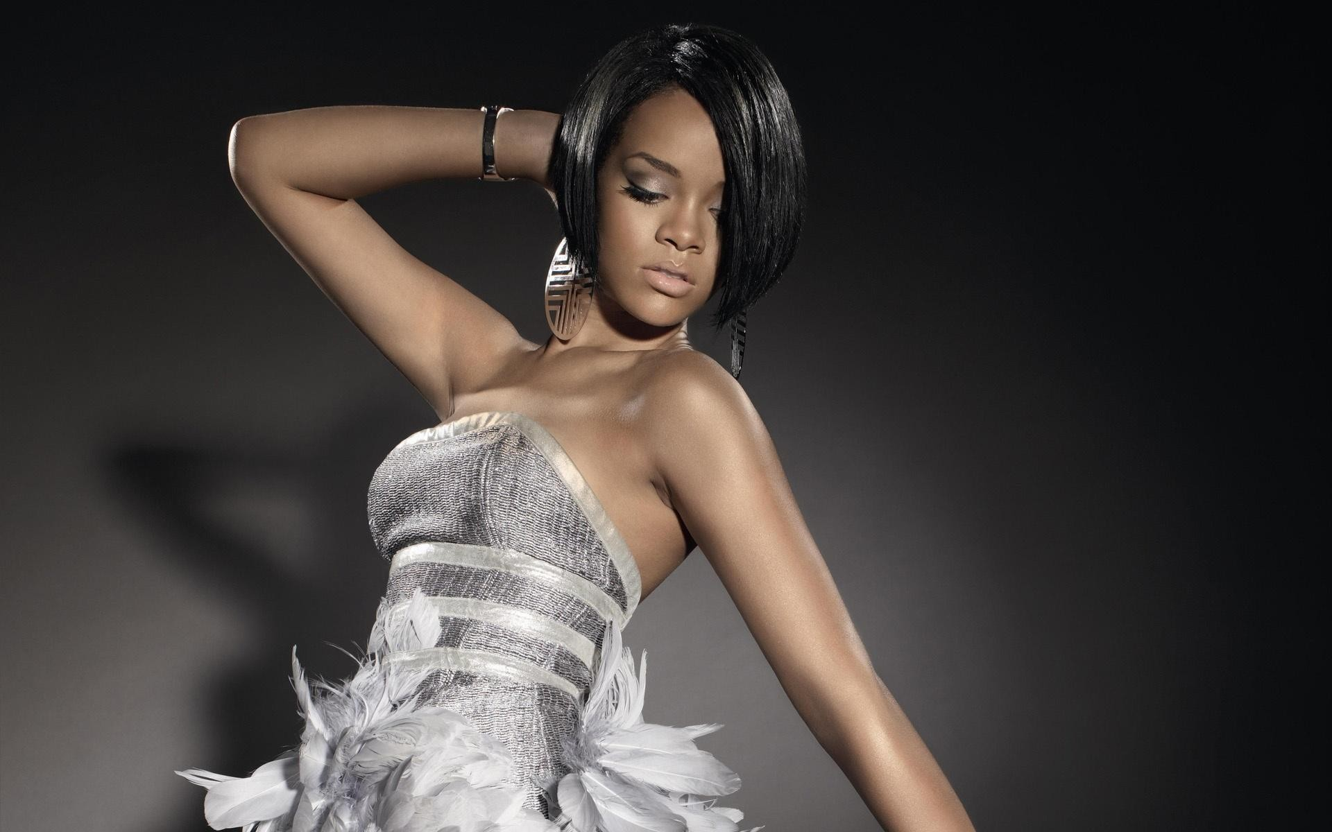 rihanna dress wallpaper 65527