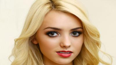 Peyton List Face Makeup Wallpaper 65624
