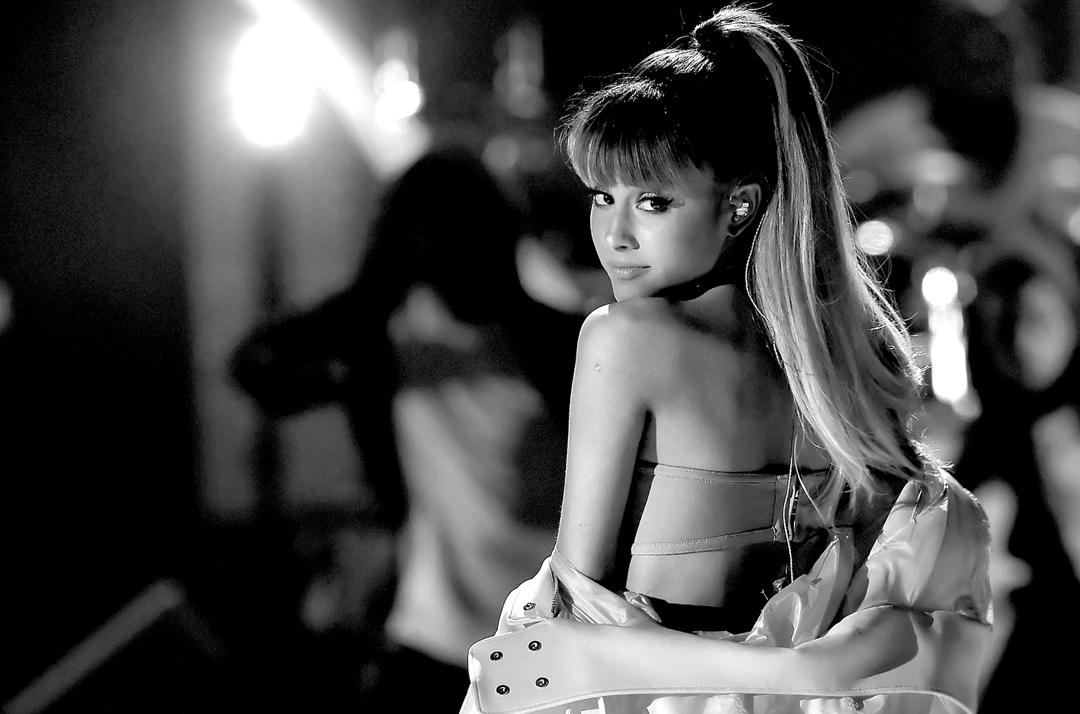 black and white ariana grande wallpaper 65103