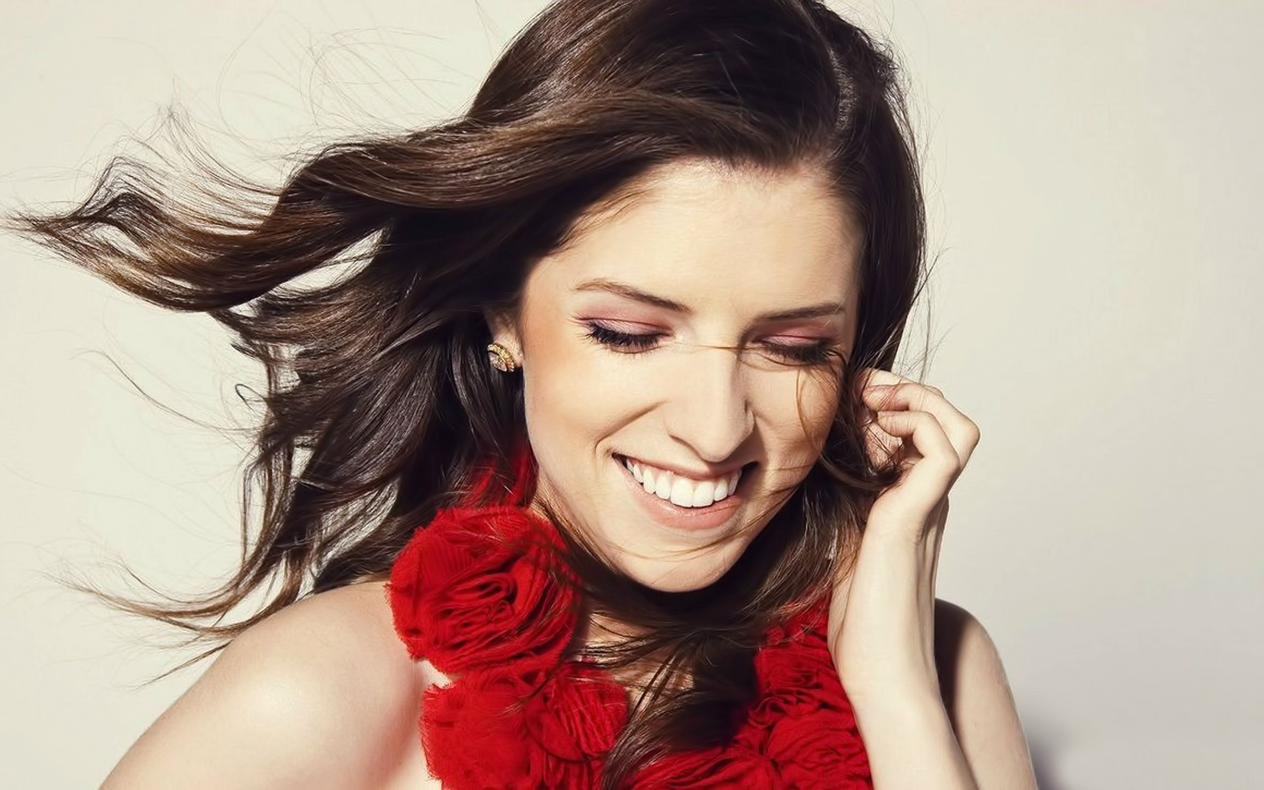 happy anna kendrick wallpaper 65700