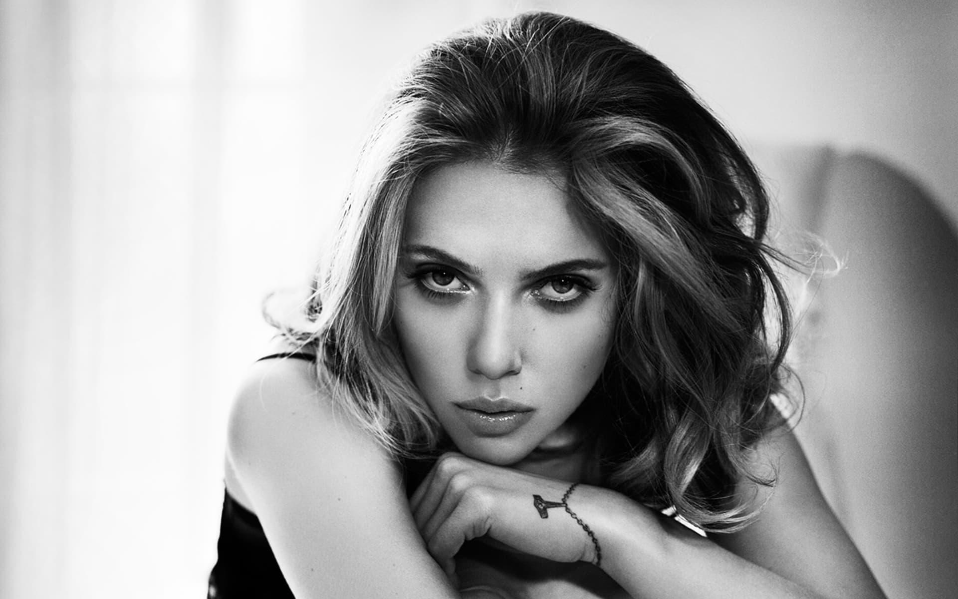Monochrome Sexy Scarlett Johansson Wallpaper 65786 1920x1200px