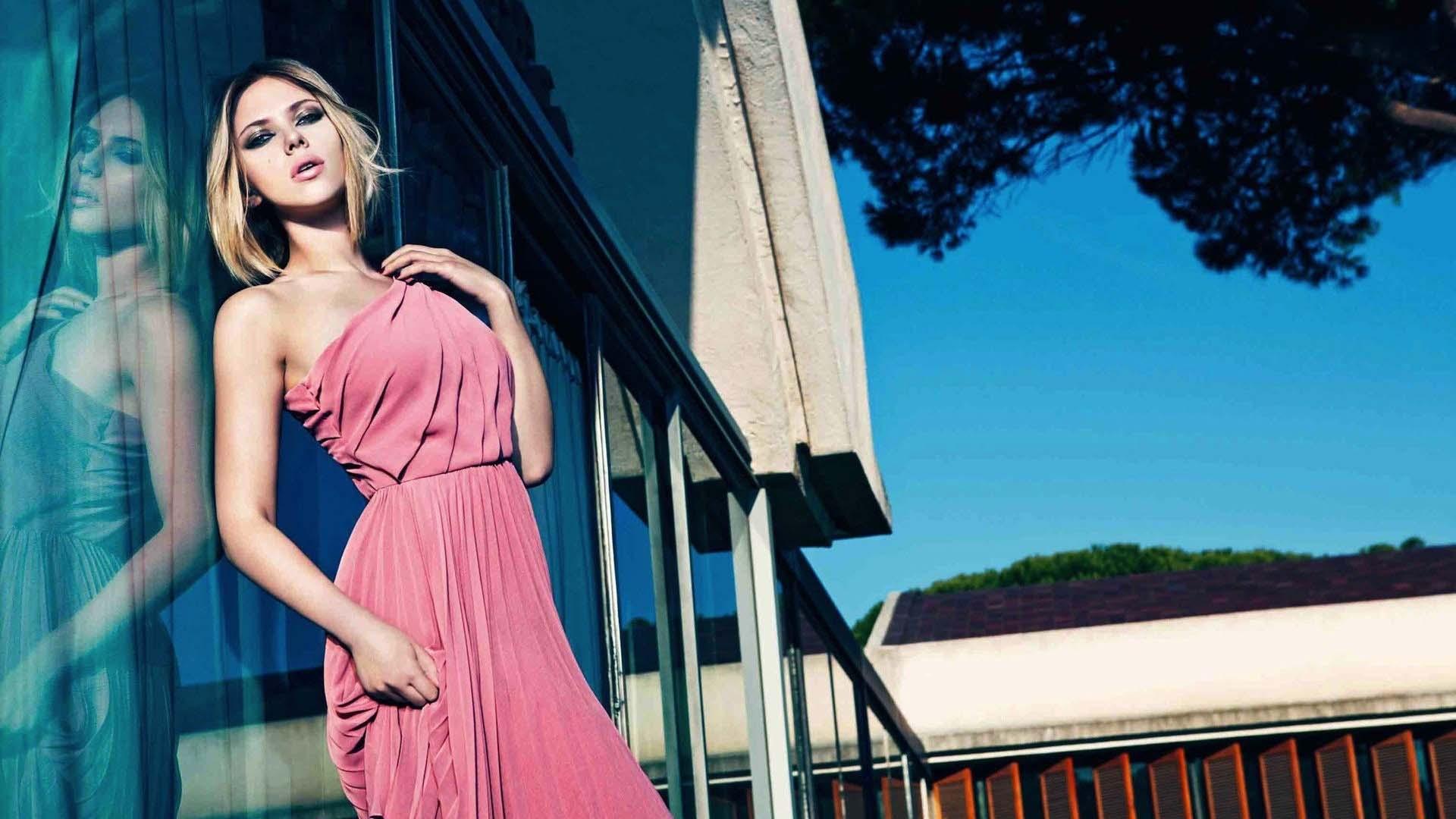 scarlett johansson pink outfit wallpaper 65783