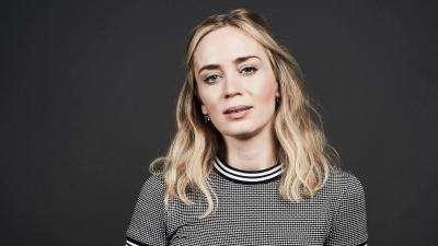 Emily Blunt Celebrity Background Wallpaper 66103