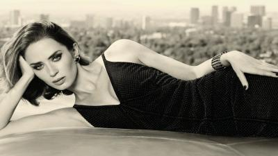 Hot Monochrome Emily Blunt Wallpaper 66106