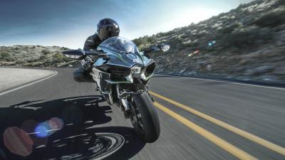 Kawasaki Ninja H2 Bike Rolling Shot Wallpaper 64731