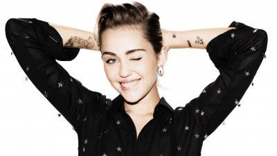 Miley Cyrus Smile HD Wallpaper 65724
