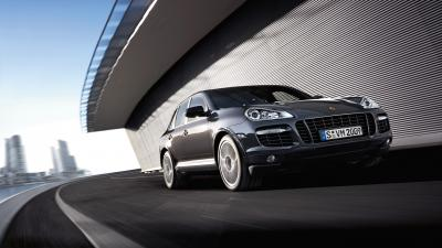Porsche Cayenne Rolling Shot Wallpaper 66071