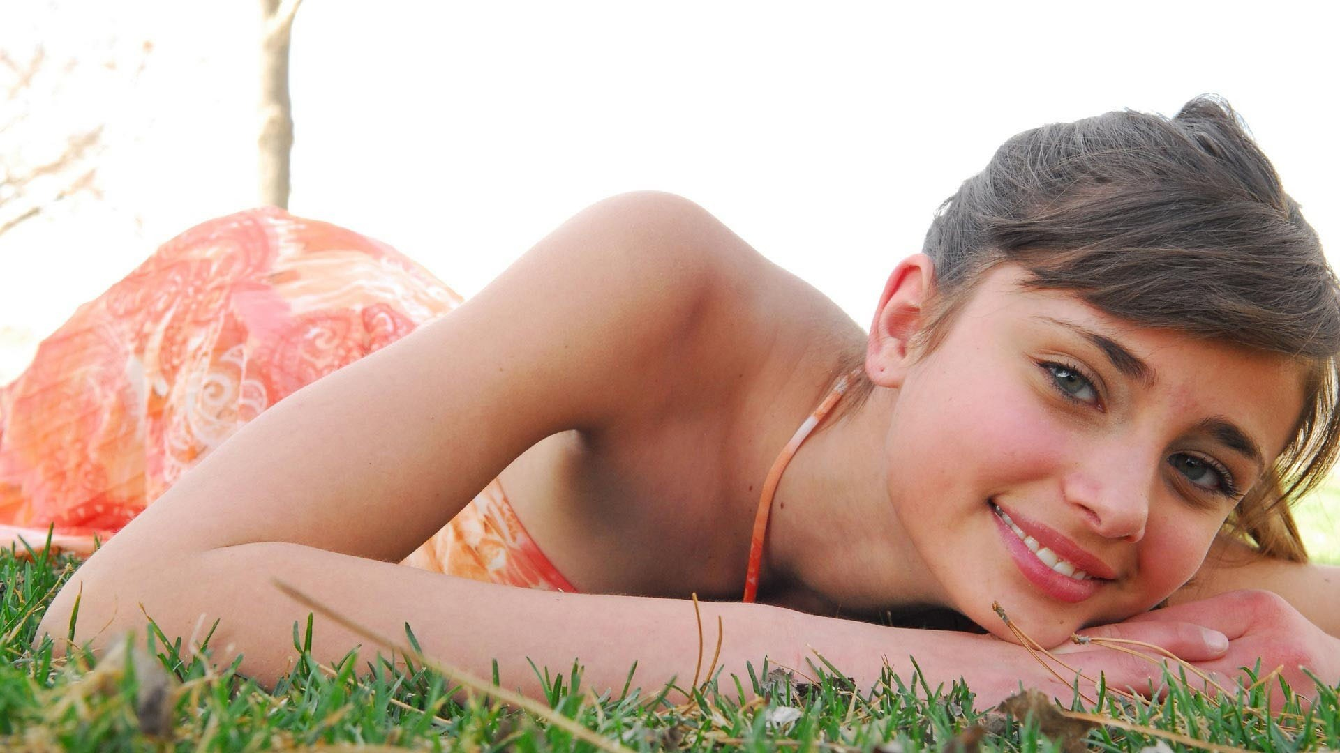 taylor hill smile wallpaper 66686