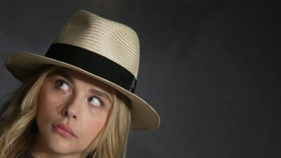 Chloe Grace Moretz Hat Background Wallpaper 66672