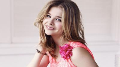Chloe Grace Moretz Smile Wide Wallpaper 66665