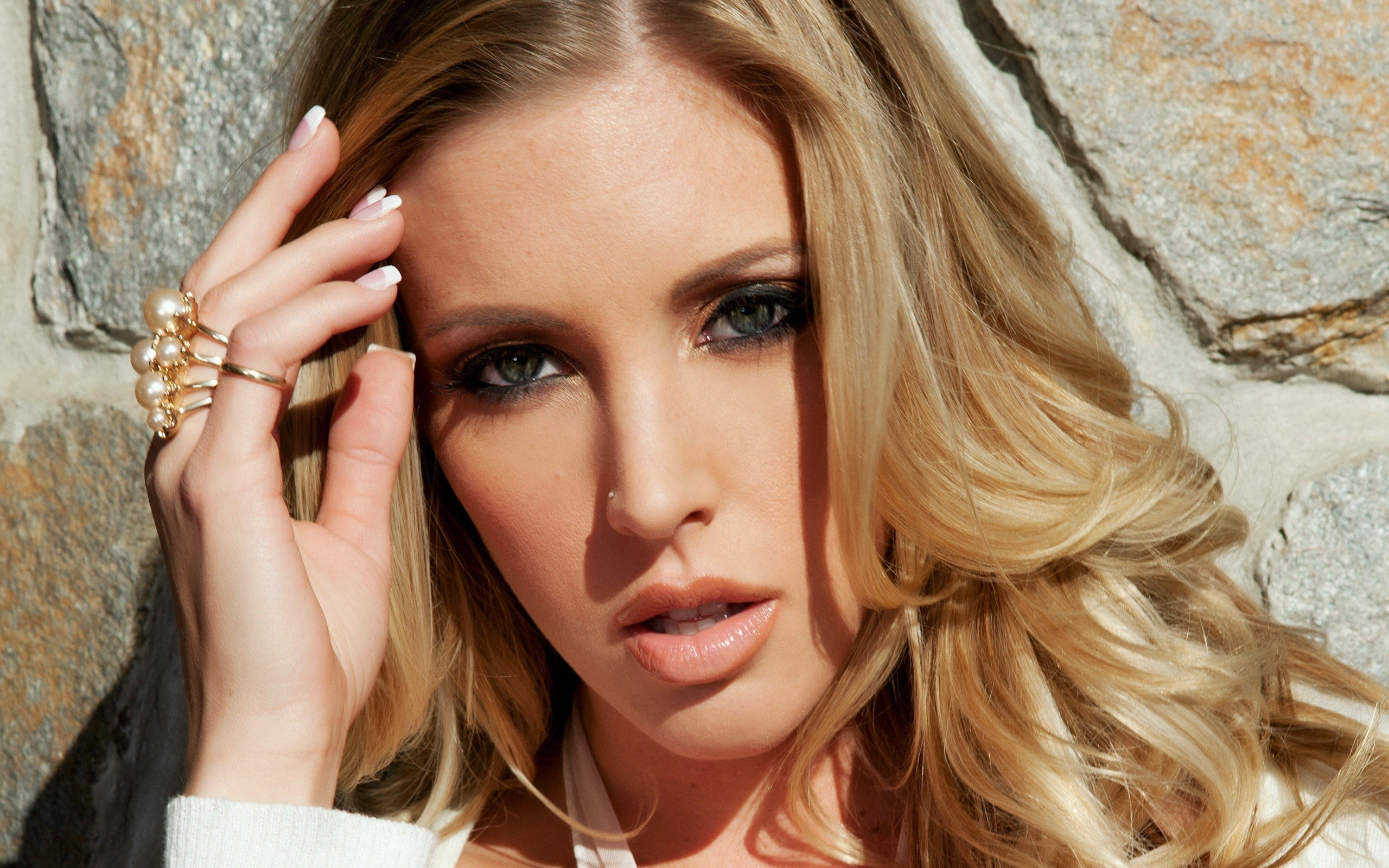 samantha saint face background wallpaper 68343