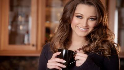 Dani Daniels Smile Wallpaper 68205