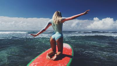 Alexis Ren Surfboard Wallpaper 68276