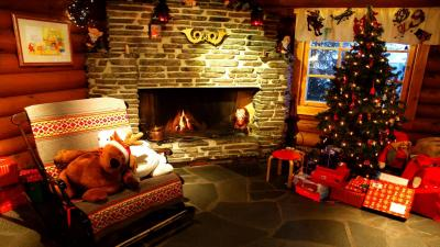 Christmas Fireplace Wallpaper 69008