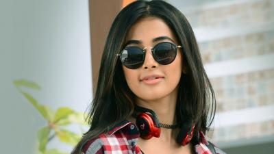 Pooja Hegde Glasses Wallpaper 66610