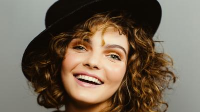 Camren Bicondova Hat Wallpaper 66541