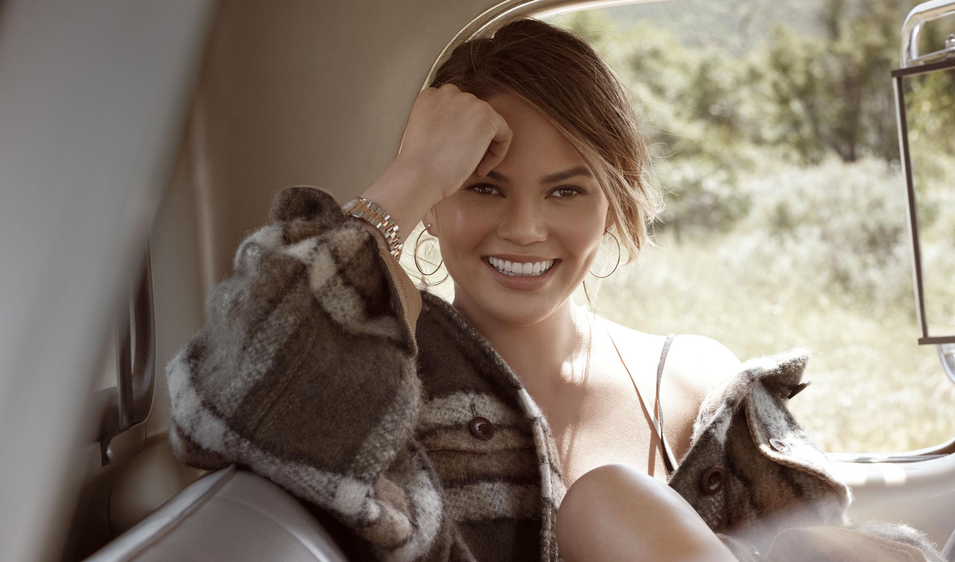 beautiful chrissy teigen smile wallpaper 68410