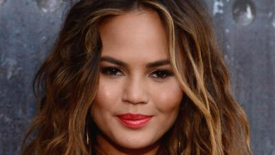 Chrissy Teigen Lipstick Wallpaper 68411