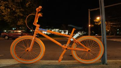 Orange BMX Bike Background Wallpaper 71398