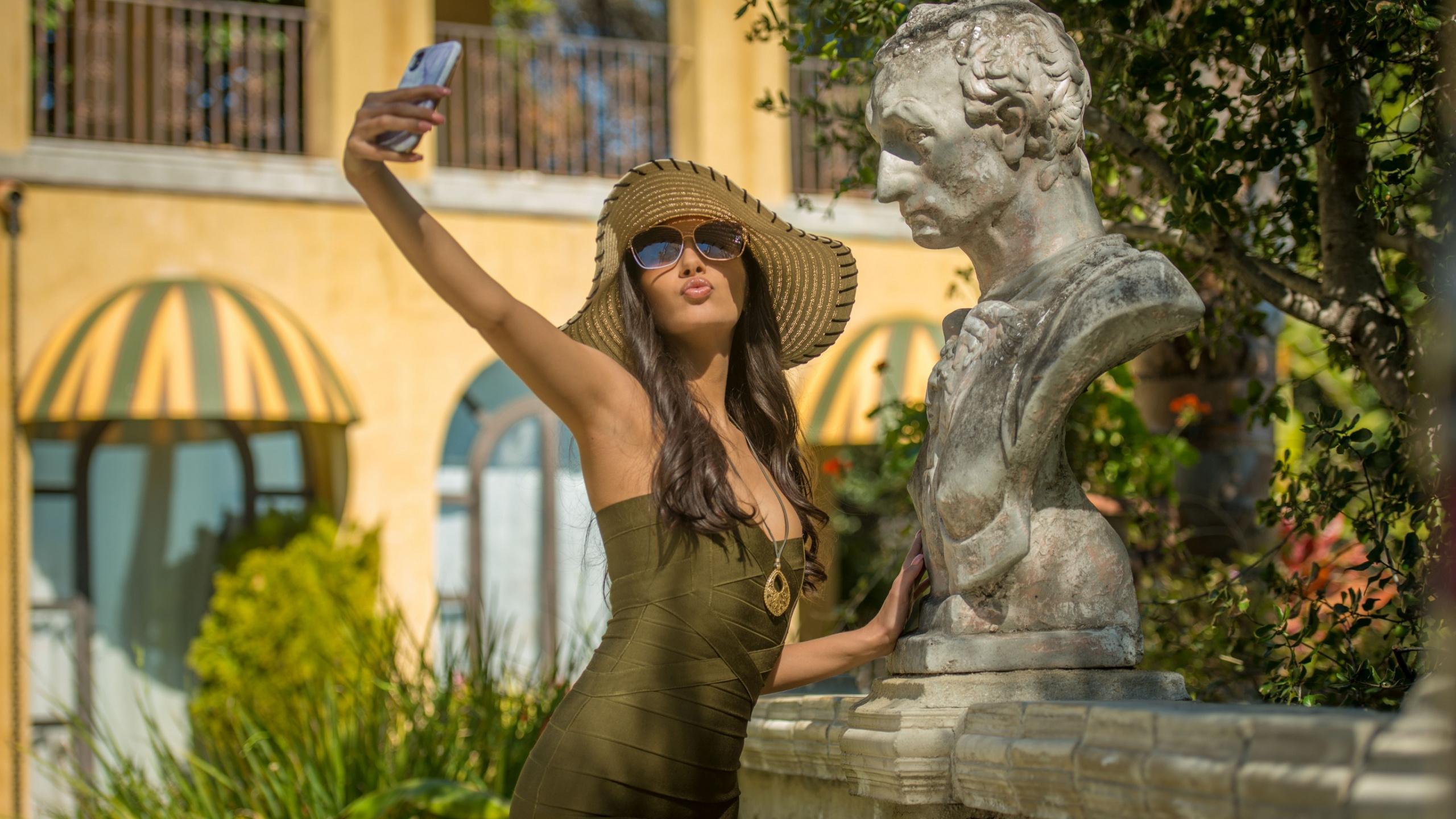 gianna dior selfie wallpaper 72022