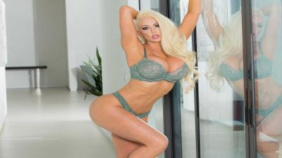 Nicolette Shea Hot Lingerie 4K Wallpaper 72858
